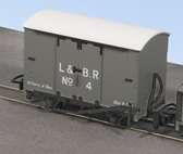 Peco GR-220C Lynton & Barnstable Box Van No.4