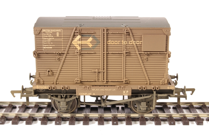 Bachmann 37-953 Conflat with BD Container BR Bauxite ' Door-to-Door ' ( Weathered)