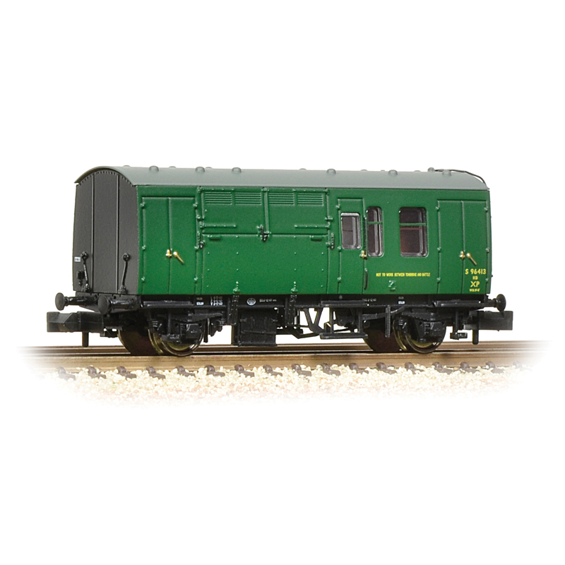 Graham Farish 373-362A BR MK 1 Horse box ( SR ) Green