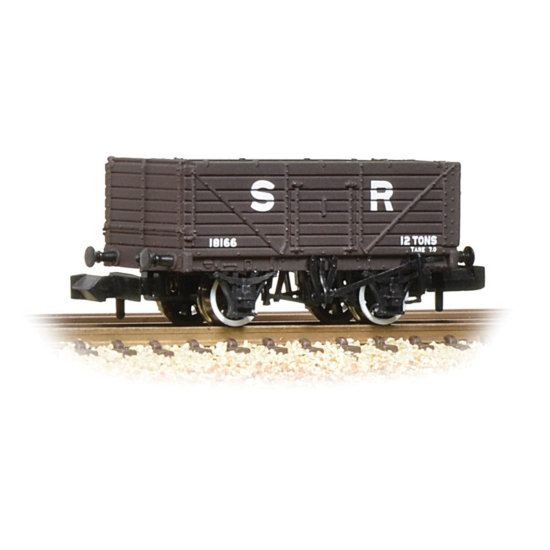 Graham Farish 377-089 7 Plank end door wagon SR Brown
