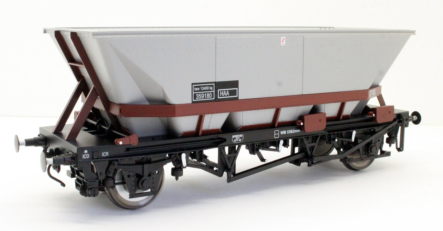Dapol 7F-048-006 MGR HAA Coal Wagon (brown cradle) #359180