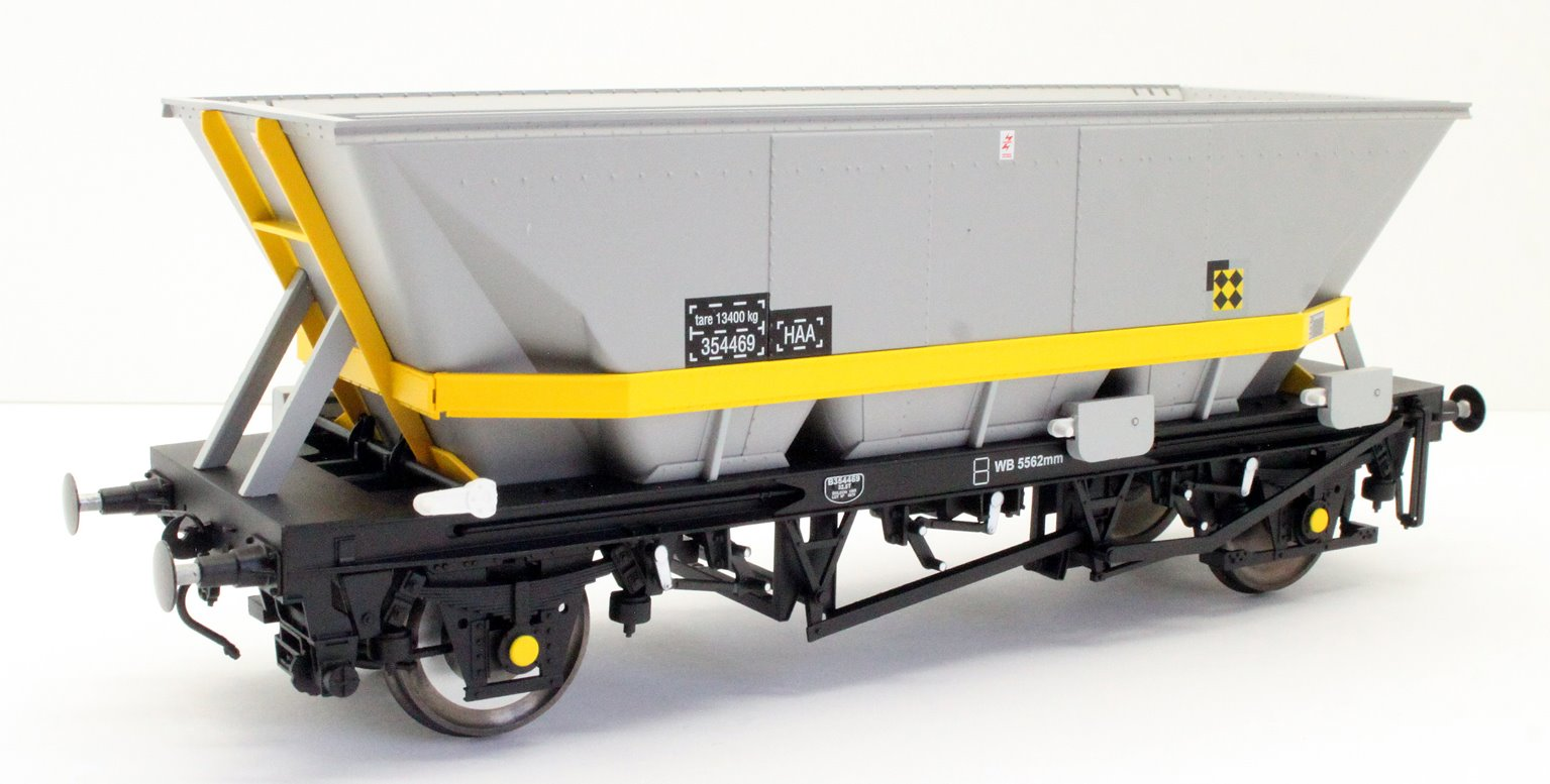 Dapol 7F-048-008 MGR HAA Coal Wagon (yellow cradle) #354469