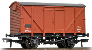 Bachmann 38-171C 12t Plywood ventilated van BR Bauxite