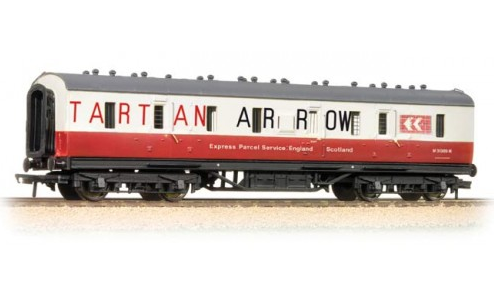 Bachmann 34-331 50ft. Ex-LMS BG Van Tartan Arrow