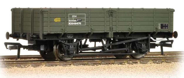 Bachmann 38-702 12t Pipe Wagon BR Engineers Olive Green