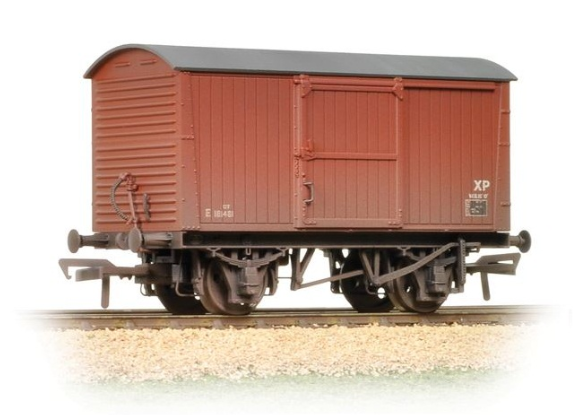 Bachmann 38-478 12t Non-ventilated Van BR Bauxite (Late) (weathered)