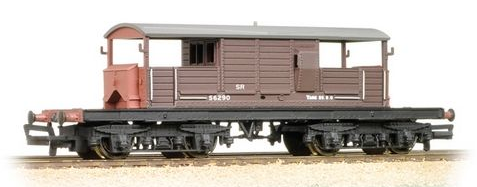 Bachmann 33-827C 25t Queen Mary brake van SR Brown