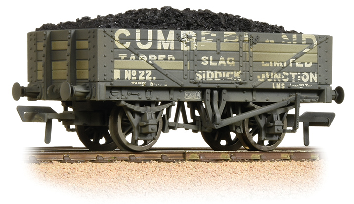 Bachmann 37-071 5 Plank Wagon Wooden Floor 'Cumberland' with Load (weathered)