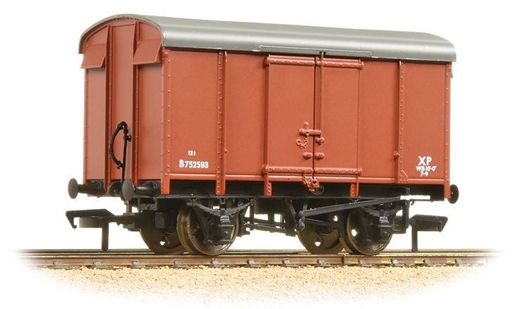 Bachmann 38-076C 12t Southern Plywood Ventilated Van BR Bauxite (Early)