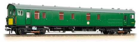 Bachmann 31-266 Class 419 Motor Luggage Van (MLV) BR green with yellow panel