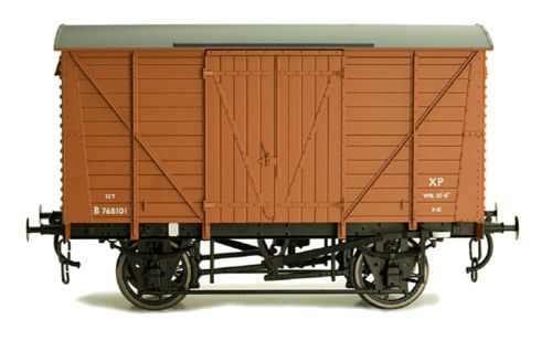 Dapol 7F-056-013 BR Standard Planked Van Diana's 208 Bauxite B758511 - Click Image to Close