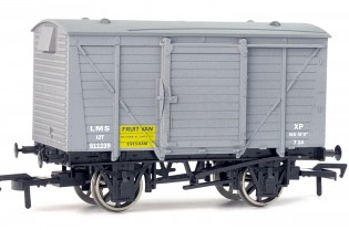 Dapol 4F-011-007 Ventilated Van LMS Fruit