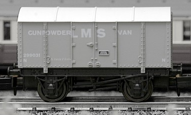 Dapol 2F-013-001 Gunpowder Van LMS grey