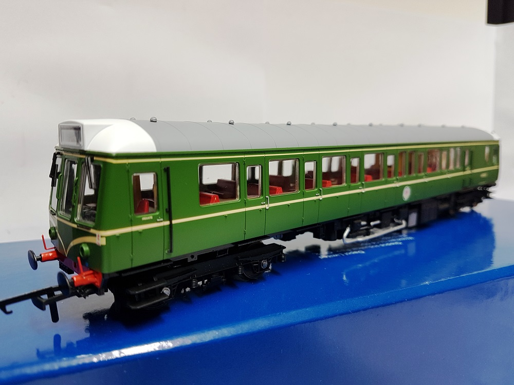 Dapol 4D-009-001 Class 121 Bubble Car W55020 BR Green with whiskers