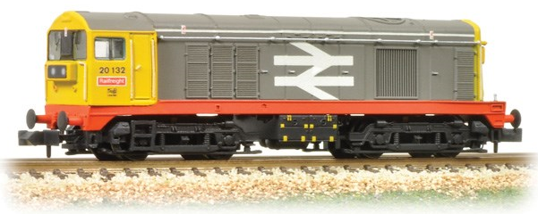 Graham Farish 371-034 Class 20 20132 BR Railfreight red stripe