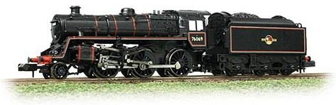 Graham Farish 372-651 Class 4MT Standard 2-6-0 76069 BR lined black with late crest BR1B tender