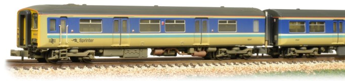 Graham Farish 371-329 Class 150/2 150247 BR Super Sprinter (weathered)