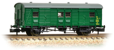Graham Farish 374-416 Southern PL Passenger Luggage Van BR (SR) Green