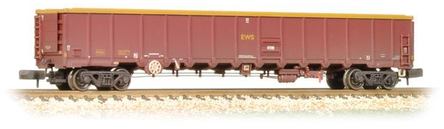 Graham Farish 377-651A MBA Megabox High-Sided Bogie Box Wagon without Buffers EWS (weathered)