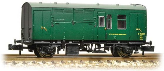 Graham Farish 373-362 BR Mk1 horse box (SR) Green