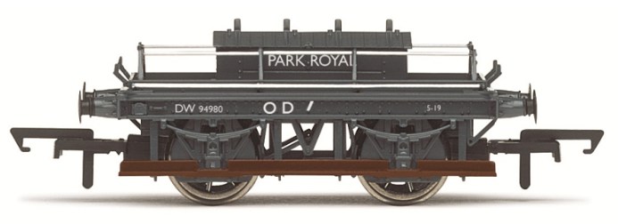 Hornby R6643A BR Shunters Truck 'Park Royal'