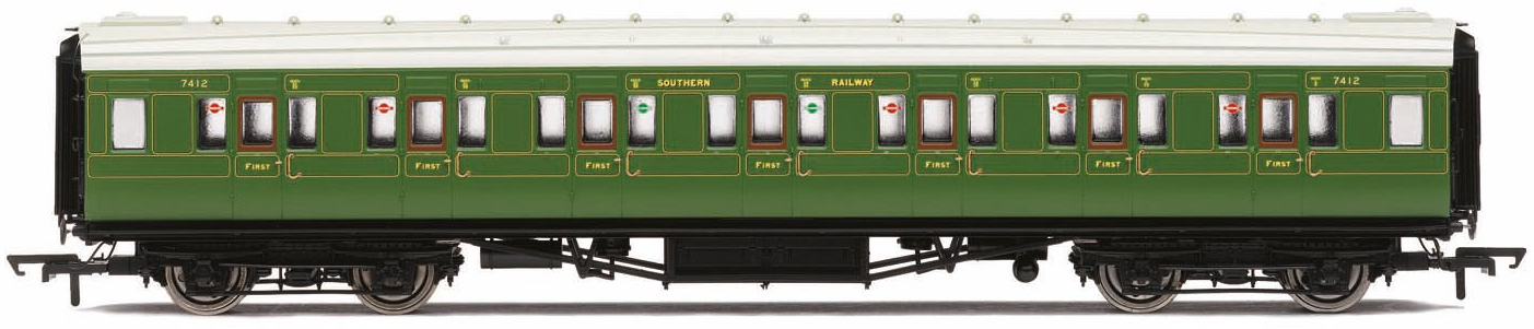 Hornby R3523 B17 Class 4-6-0 61665 'Leicester City' BR Lined Green with early crest