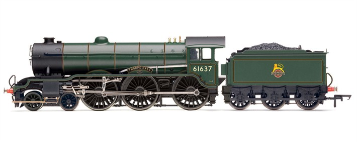 "Hornby R2921X Class B17/1 4-6-0 61637 ""Thorpe Hall"" BR lined green with early crest (DCC Fitted)"