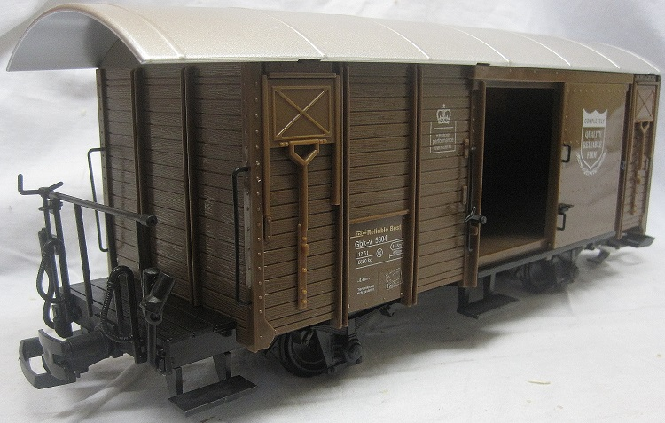 TRAIN 757-5804BR 4 Wheel Sliding door Box Van Brown