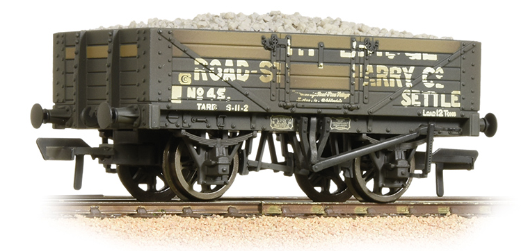 Bachmann 37-039 5 plank wagon 'Helwith Bridge Road Stone Quarry' (weathered)