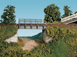 Wills SS32 Occupational Bridge & Stone Abutments, Double Track