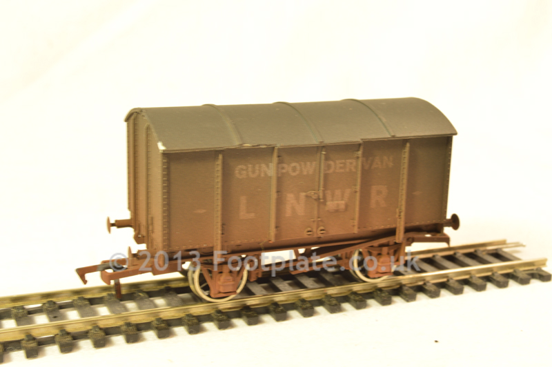 Dapol 4F-013-004 LNWR Gunpowder Van - Weathered