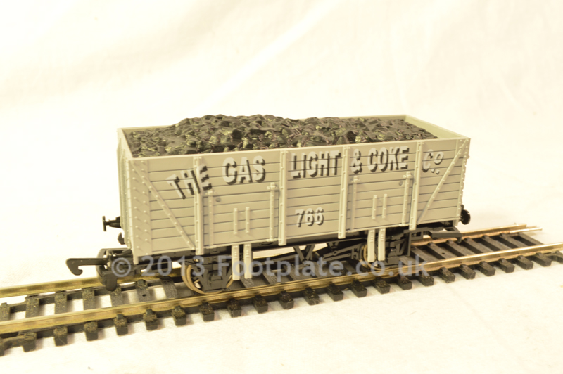 Dapol B637 Gas Light 9 Plank Wagon