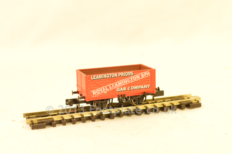 Dapol NB-093A Throncliffe 8 Plank Wagon
