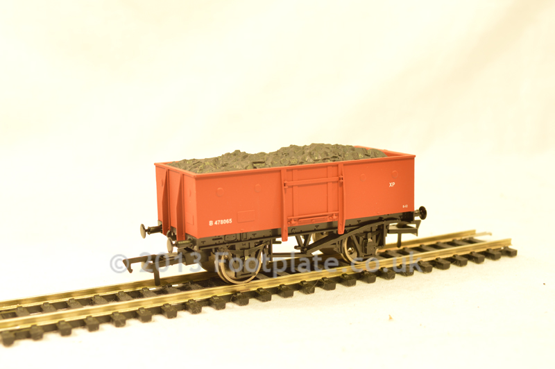 Dapol B826 BR 13t All Steel Good Wagon B478065