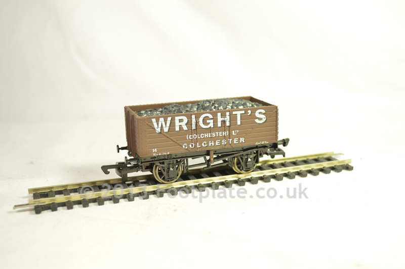 Dapol B554 7 Plank - Wrights, Colchester