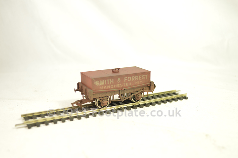 Dapol B815 Rectangular Tank Smith & Forrest (Weathered)