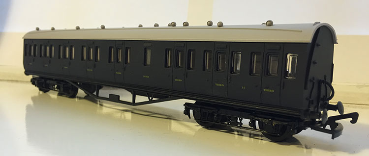 Dapol FP4 Somerset & Dorset Composite Coach No.17
