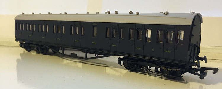 Dapol FP5 Somerset & Dorset Composite Coach No.31