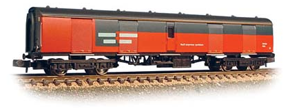 Graham Farish 374-775A MK1 Super BG Full Brake Coach RES