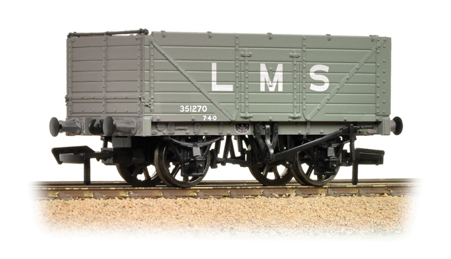 Graham Farish 377-087 7 plank end door wagon LBS grey