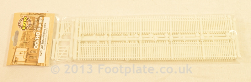 Ratio 420 GWR Station Fencing, White, (inc. gates & ramps)