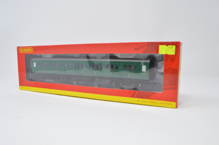 Hornby R4303C BR Southern green Maunsell corridor 1st Class in BR Southern green No. S7406 S